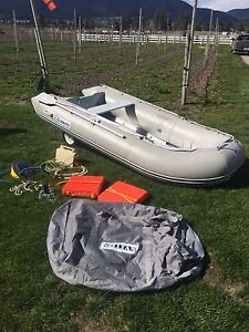 12' Titan inflatable with accessories NO MOTOR