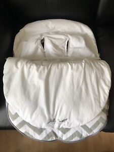 Car seat cover with head hugger