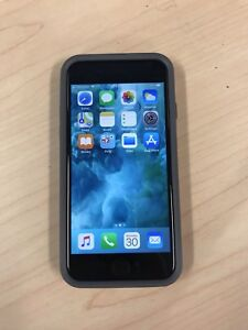 Unlocked iPhone 7, 256gb - Mint - with case