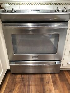 Frigidaire Professional Convection Oven