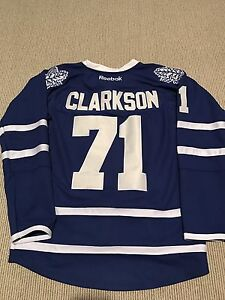 Toronto Maple Leafs Jerseys