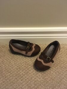 Girls Size 6 Brown Suede Look Dress Shoe