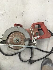 Milwaukee heavy duty worm gear saw