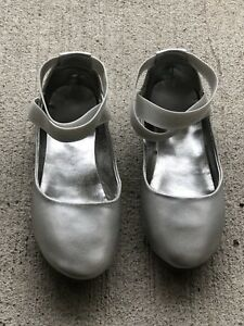 Kenneth Cole girls shoes- size 3