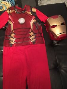 Halloween costumes size 6/8y and 8/10y. AVAILABLE