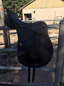 2x Wintec saddles Merrigum Outer Shepparton Preview