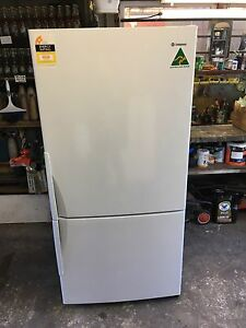 Westinghouse 510 L frost free fridge freezer 18 MONTHS OLD! Bexley Rockdale Area Preview