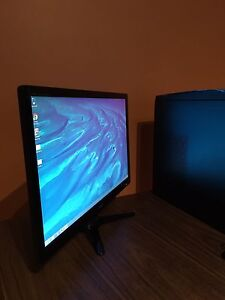 "Acer Aspire ME 600 desktop computer with acer 22"" LCD monitor!!"