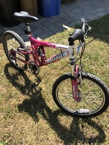 Velo fille 20 pouces - Girl Bike 20 inch
