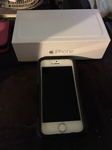iPhone 5s 10/10 condition. 64gb