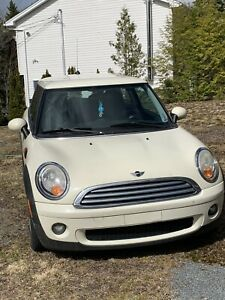 2008 Mini Cooper (FOR PARTS OR REPAIR)