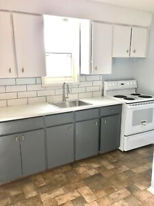 Large Top Floor Renovated Split Layout 2Br 1Ba Wifi Included