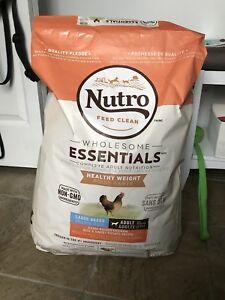 Sac neuf nourriture à chien Nutro