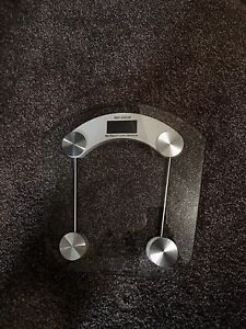 Clear glass body weight scale
