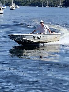 QUINTREX TINNY DINGHY SPEEDBOAT RUNABOUT FISHING BOAT