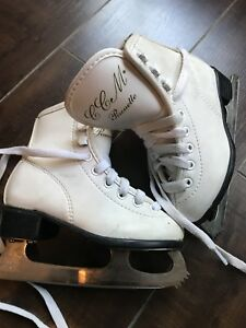 Girls figure Skates PIROUETTE CCM