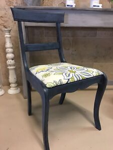 Accent Chair with 2 matching 16x16 pillows