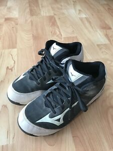 Youth Mizuno Cleats