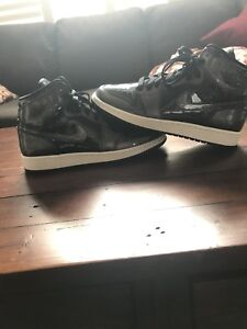 Air Jordan 1 Black Size 7
