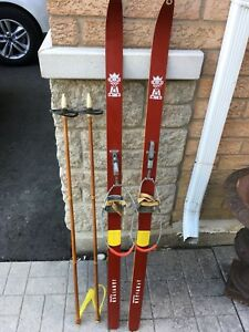 Vintage Skis Cottage Decor Rustic Primitive Retro