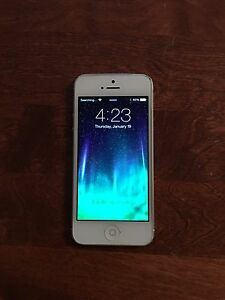 iPhone 5s 16g white good condition - Telus