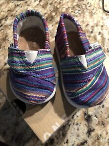 Like new Toms size 3t