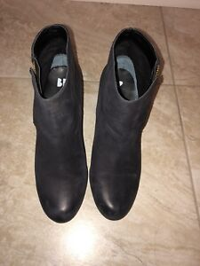 Black leather Ankle Boot, size 9.5