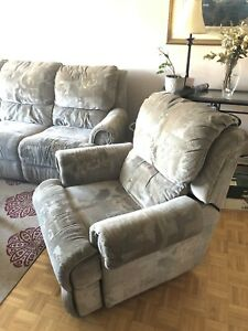 2 reclining sofas 1 recliner chair