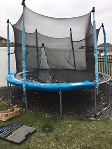 12 ft Trampoline with net
