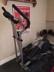 Appareil d'exercice cross trainer