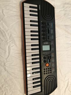 Casio Piano Keyboard SA-76