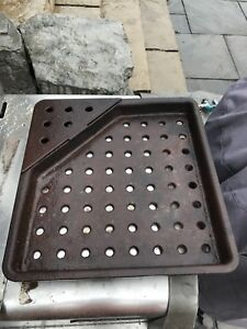 Napoleon cast iron Charcoal Tray got Gas grille