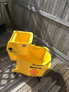 Rubbermaid industrial floor bucket 45$