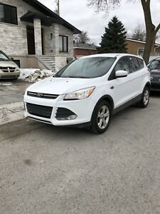 CLEAN Ford Escape 2014 for sale