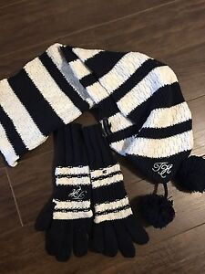 Tommy Hilfiger matching Scarf and Mitts