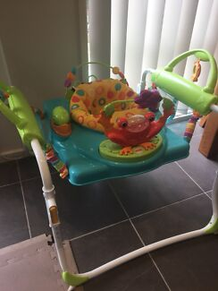 Fisher price first steps jumper/activity station