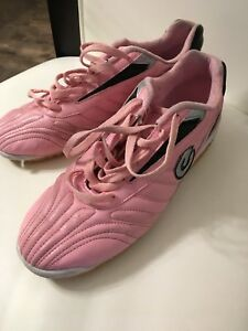 Girls 7.5 indoor soccer cleats