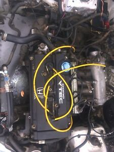 B16a2 engine with everything except the ECU