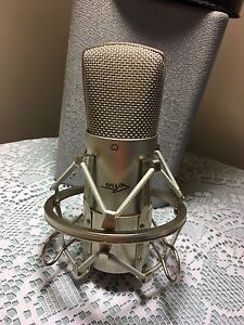 Studio Condenser Mic & cable for sale - 1 Available