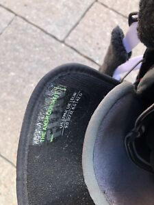 snowboard helmet and size 9 Mens boots