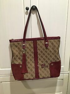 Gorgeous large GUESS tote!!