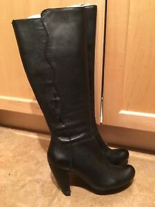 Miz Moos Boots size 7 - leather black