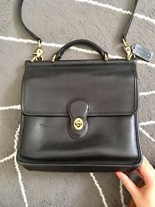 Vintage Coach Willis Purse Cross Body Bag in Black