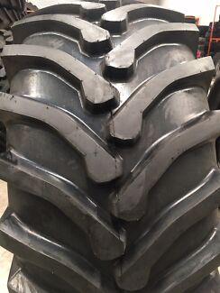 30.5L-32 TRACTOR OR SKIDDER TYRES