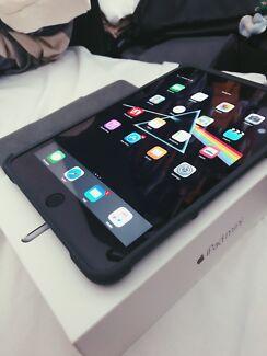 iPad mini 4 16GB Wifi + Cellular