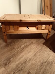 Table à café en bois 100$