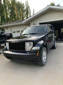 2012 4X4 trail rated Jeep Liberty