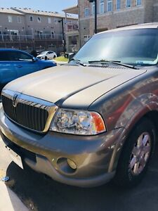 Safetied Lincoln Navigator 2003 175000km