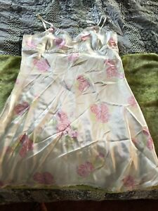 Ladies Large Night Gown