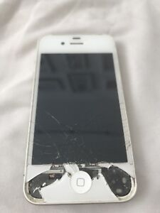 iPhone 4S selling for parts